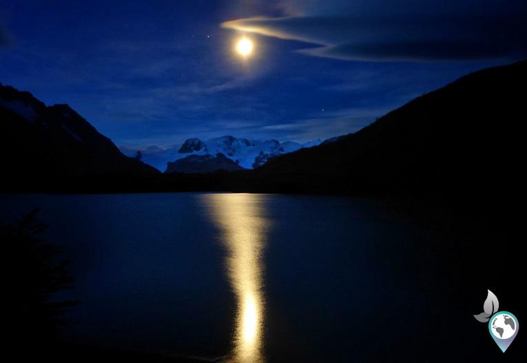 Der Gletscher Dickson bei Nacht