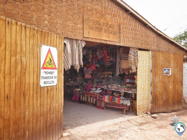 """Der """"Ramschmarkt"""" in San Pedro zum Stöbern, Feria Artesanal"""